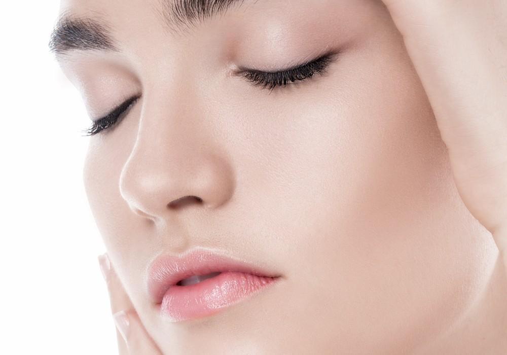 How to Get Glowy Skin Professional Tips by Rhia Amio Toronto Make-up Hair Artist artistrhi